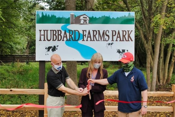 Hubbard Farms Park reopens with ribbon-cutting