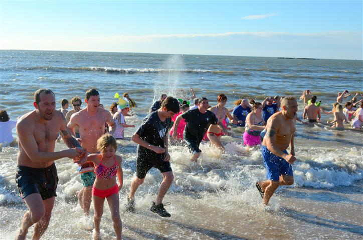 17th Annual Icy Plunge for the Cure 041 (Small).JPG